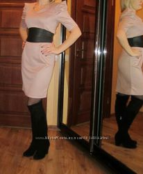 Пудровое платье р. М