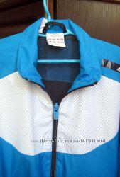 Классная ветровка Adidas куртка 9-10 лет на мальчика