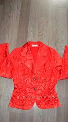 Пиджак, рубашка красный