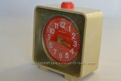 Часы-будильник Янтарь механические производства СССР 90-х годов 20 века