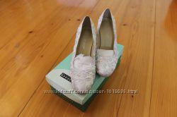 Продам туфлі під весільне плаття