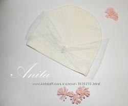 Белая шапочка с вуалью и жемчугом