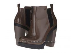 Продам резиновые ботинки Melissa