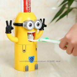 Автоматический дозатор для зубной пасты Миньон с держателем для щеток