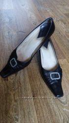 Красивые кожаные туфли на каблуке, р. 39-40