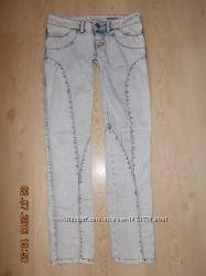 Светлые женские джинсы р. S-M в отличном состоянии