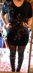 Красивое летнее платье платье со стразами