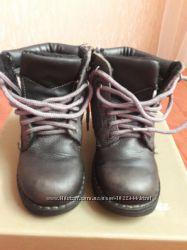 Ботинки BATA 24 размер. натуральная кожа.