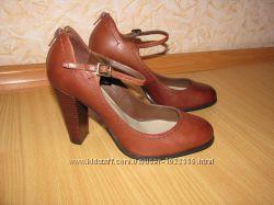 Autograph кожаные туфли 37-37. 5 р по вст 24. 5 см супер состояние