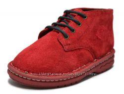 Замшевые красные ботинки из Америки.