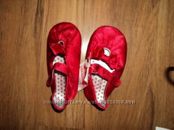 Красивые пинетки-сандалии разных фирм, размеров и цветов новые