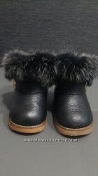 Очень теплие ботинки на натуральной цегейке размер 22 черние бу в отлич сос
