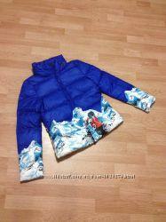 Пуховик короткий Moncler в цвете синийбелый