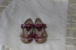 Красивые туфельки для девочки 22 р.