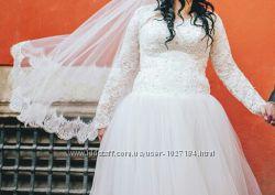 Дизайнерське весільне плаття