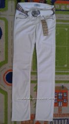 Белые джинсы Burberry, оригинал, размер W 26  L 34