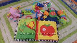 Набор из 7 шт игрушек - погремушек, прорезователей  первая мягкая книжка