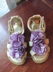 Красиві сандалі для дівчинки 6р.