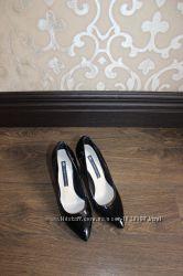 Продам лаковые туфли Carvari