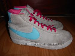 Кроссовки, ботинки Nike. 34 размер. 22, 5см. по стельке. Замша. Оригинал.