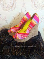 Яркие туфли  на платформе 37 размер, США