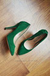 Эффектные туфли на высоком каблуке. Наталья Водянова