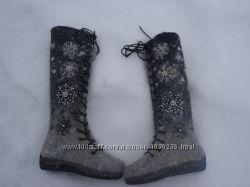 ботинки валяные женские вышитые бусинами