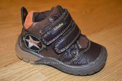 Утепленные ботинки для мальчика 19размер