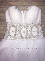 Красивое свадебное платье Lorange р. 42