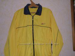 Спортивная  курточка  большего  размера