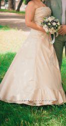 Свадебное платье. Шампань. 46-48 р.