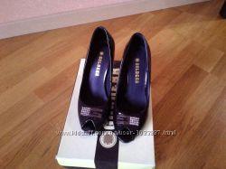 туфли лаковые golderr 37p.
