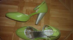 Фирменные летние туфли