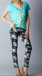 Продаю новые джинсы брюки штаны Guess Aeropostele