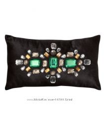 Декоративная подушечка H&M с камнями