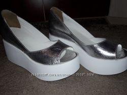 Стильные кожание туфли