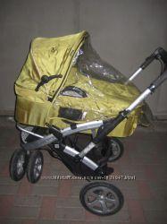 компактная коляска с большим набором комплектующих