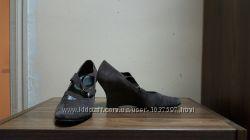 Туфли на тонкетке замшевые