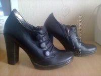 Продаю кожаные женские туфли-ботильйоны