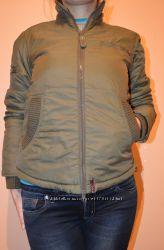 Продаю демисезонную куртку Bershka.