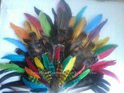 Красивые перья для  головного убора индейца
