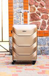 Золотой чемодан пластиковый качественный малый ручная кладь без предоплат