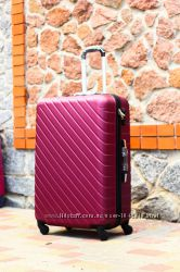 Бордовый чемодан цвета марсала  пластиковый Валіза без предоплат