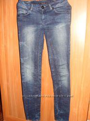 Продам джинсы размер 26