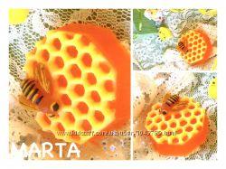 Мыло ручной работы Пчела на сотах