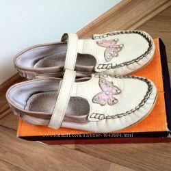 Туфлі- мокасіни для дівчинки FALCON