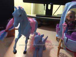 Карета , лошадь и пони для принцессы