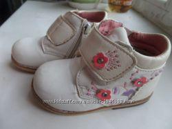 беленькие ботиночки