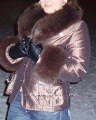 Зимняя курточка с песцовым воротником