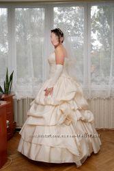 Продам шикарное свадебное платье от дизайнера Татьяны Григ.